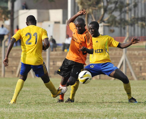 Siraje Turyamutebwa (C) of Soana FC being challenged by Habib Kavuma (L) and Hakim Senkumba (R) of KCCA FC during their 2013 Fufa Super League game at Lugogo Stadium, Kampala on 13 September 2013 ©Ismail Kezaala/BackpagePix