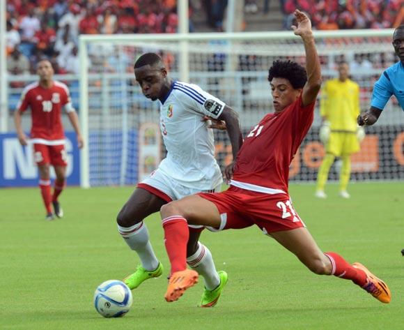 Arnold Moutou of Congo battles with Ivan Zarandona Esono of Equatorial Guinea during of the 2015 Africa Cup of Nations match between Equatorial Guinea and Congo at Bata Stadium, Equatorial Guinea on 17 January 2015