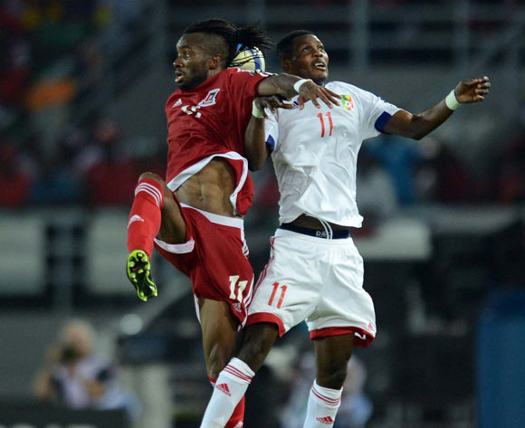 Javier Balboa of Equatorial Guinea  battles with Fabrice Ondama of Congo   during of the 2015 Africa Cup of Nations match between Equatorial Guinea and Congo at Bata Stadium, Equatorial Guinea on 17 January 2015 Pic