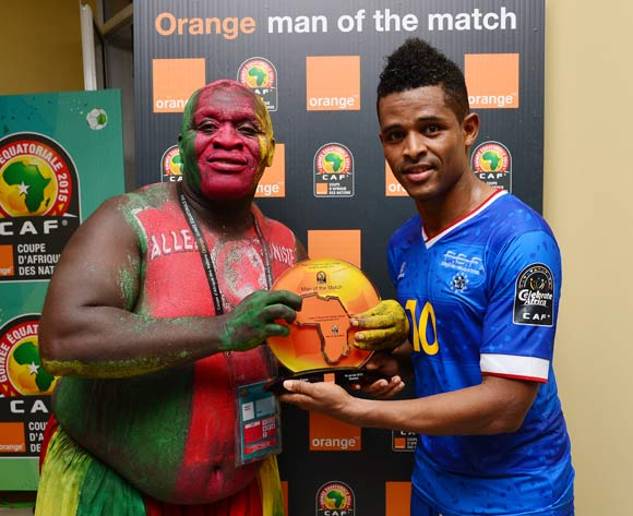 Heldon of Cape Verde receives the Orange Man of the Match award from the Orange Fan of the Match during the 2015 Africa Cup of Nations football match between Tunisia and Cape Verde  at the Ebibeyin Stadium, Ebibeyin, Equatorial Guinea on 18 January 2015