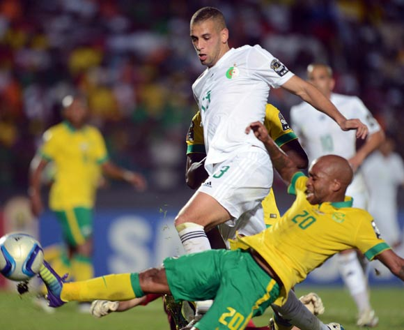 Oupa Manyisa of South Africa battles with Islam Slimani of Algeria during of the 2015 Africa Cup of Nations match between Algeria and South Africa at Mongomo Stadium, Equatorial Guinea on 19 January 2015