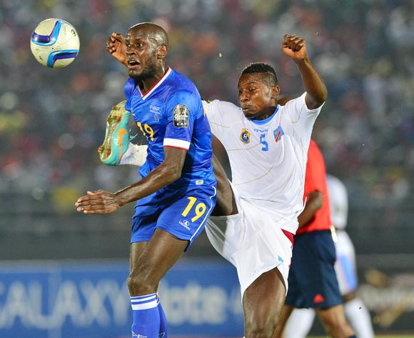 Julio Tavares of Cape Verde (l) /challenged by Nelson Munganga Omba of DR Congo during the 2015 Africa Cup of Nations football match between Cape Verde and DR Congo at the Ebibeyin Stadium, Ebibeyin, Equatorial Guinea on 22 January 2015