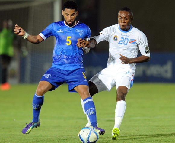 Elvis Babanco Macedo of Cape Verde battles with Chikito Lema Mabidi of DR Congo   during of the 2015 Africa Cup of Nations match between Cape Verde and DR Congo at Ebibeyin Stadium, Equatorial Guinea on 22 January 2015