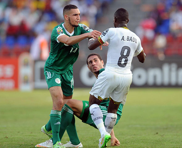 Emmanuel Agyemang of Ghana in a fight with Nabil Bentaleb of Algeria (l) and Ishak Belfodil of Algeria   during of the 2015 Africa Cup of Nations match between Ghana and Senegal at Mongomo Stadium, Equatorial Guinea on 23 January 2015 Pic Sydney Mahlangu/BackpagePix