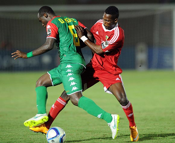 Djakaridja Kone of Burkina Faso  battles with Fabrice Ondama of Congo during of the 2015 Africa Cup of Nations match between Congo and Burkina Faso at Ebibeyin Stadium, Equatorial Guinea on 25 January 2015 Pic Sydney Mahlangu/BackpagePix