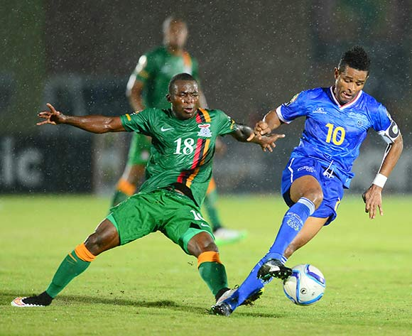 Emmanuel Mbola of Zambia and Heldon Ramos of Cape Verde during the 2015 Africa Cup of Nations football match between Cape Verde and Zambia at the  Ebibeyin Stadium, in Ebibeyin, Equatorial Guinea on 26 January 2015 ©Barry Aldworth/BackpagePix