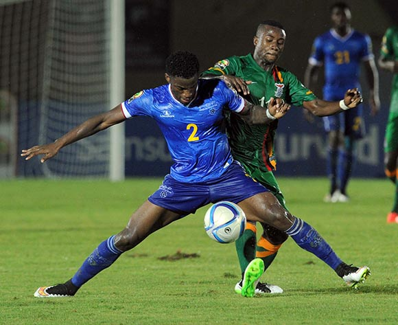 Lubambo Musonda of Zambia battles with Ianique Stopira Tavares of Cape Verde  during of the 2015 Africa Cup of Nations match between Cape Verde and Zambia at Ebibeyin Stadium, Equatorial Guinea on 26 January 2015 Pic Sydney Mahlangu/BackpagePix