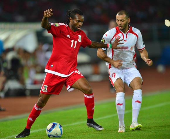 Javier Balboa of Equatorial Guinea (l) and Yassine Chikhaoui of Tunisia (r) during the 2015 AFCON quarterfinal