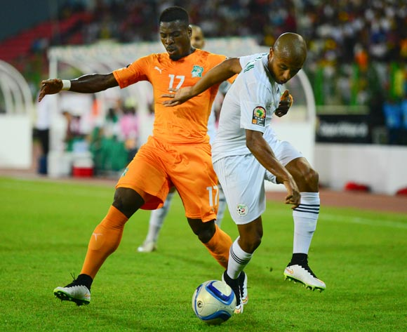 Yacine Brahimi of Algeria (R) and Serge Aurier of Ivory Coast (L) during the 2015 Africa Cup of Nations football match between Ivory Coast and Algeria at the Malabo Stadium in Malabo, Equatorial Guinea on 1 February 2015