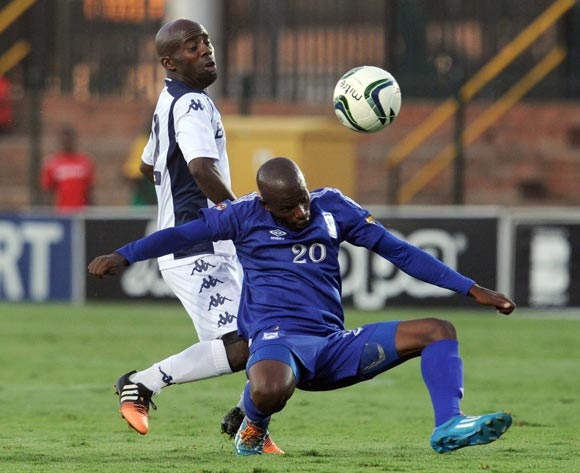 Sandile Zuke of Bidvest Wits battles with Zweli Nxumalo of Royal Leopards during the CAF Confederation Cup match between Bidets Wits and Royal Leopards at Bidvest Stadium, Johannesburg on 14 February 2015