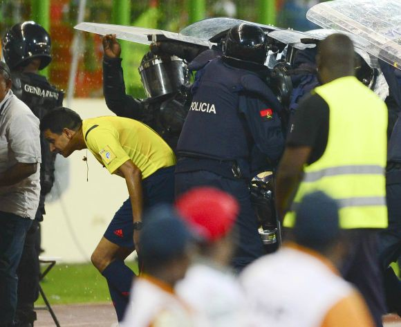 Equatorial Guinea team says sorry for riot