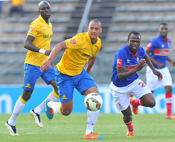 Wayne Arendse of Mamelodi Sundowns challenged by Khethukuthula Zwane of University Pretoria during the Absa Premiership 2014/15 match between Mamelodi Sundowns and University of Pretoria at the Lucas Moripe Stadium in Pretoria, South Africa on May 09, 2015 ©Samuel Shivambu/BackpagePix