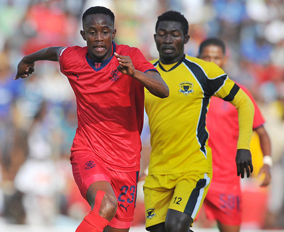 Linda Mntambo of Jomo Cosmos challenged by Abubakar Mumuni of Black Leopards during the PSL promotion play-off match between Black Leopards and Jomo Cosmos at the Thohoyandou Stadium in Limpopo, South Africa on May 17, 2015 ©Samuel Shivambu/BackpagePix