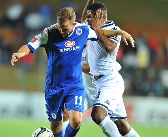 Jeremy Brockie of Supersport United challenged by Thulani Hlatshwayo of Bidvest Wits during the Absa Premiership match between Bidvest Wits and Supersport United at the Bidvest Stadium in Johannesburg, South Africa on September 22, 2015 ©Samuel Shivambu/BackpagePix