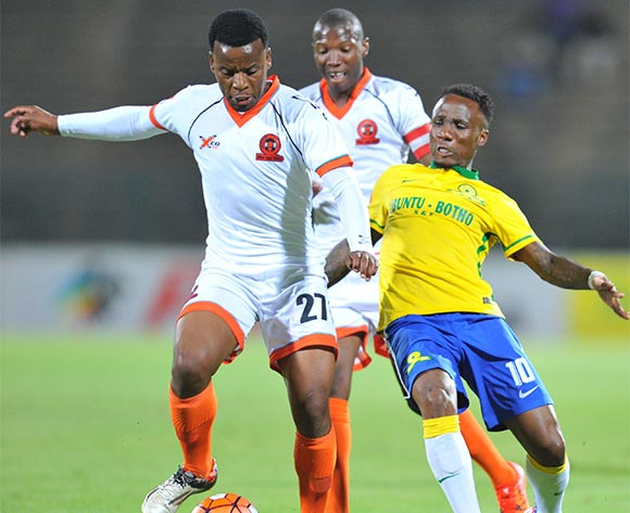 Thobani Mncwango of Polokwane City challenged by Teko Modise of Mamelodi Sundowns during the Absa Premiership match between Mamelodi Sundowns and Polokwane City at the Lucas Moripe Stadium in Pretoria, South Africa on October 28, 2015 ©Samuel Shivambu/BackpagePix