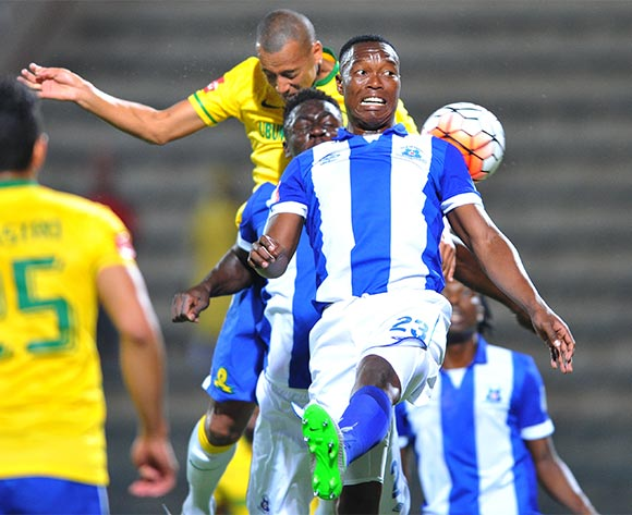 Philani Zulu of Maritzburg United challenged by Wayne Arendse of Mamelodi Sundowns during the Absa Premiership match between Mamelodi Sundowns and Maritzburg United at the Lucas Moripe Stadium in Pretoria, South Africa on October 31, 2015 ©Samuel Shivambu/BackpagePix