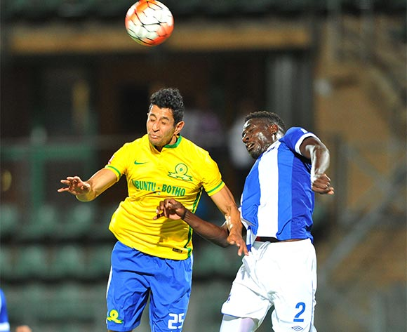 Leonardo Castro of Mamelodi Sundowns challenged by Brian Onyango of Maritzburg United during the Absa Premiership match between Mamelodi Sundowns and Maritzburg United at the Lucas Moripe Stadium in Pretoria, South Africa on October 31, 2015 ©Samuel Shivambu/BackpagePix