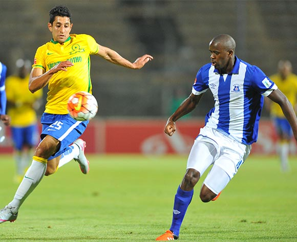 Leonardo Castro of Mamelodi Sundowns challenged by Kwanda Mngonyama of Maritzburg United during the Absa Premiership match between Mamelodi Sundowns and Maritzburg United at the Lucas Moripe Stadium in Pretoria, South Africa on October 31, 2015 ©Samuel Shivambu/BackpagePix