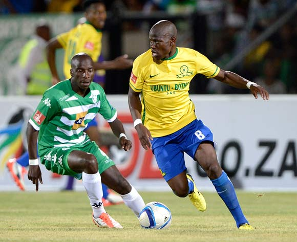 Hlompho Kekana of Mamelodi Sundowns and Musa Nyatama of Bloemfontein Celtic during the Absa Premiership match between Bloemfontein Celtic FC and Mamelodi Sundowns at the Seisa Ramabodu Stadium  on 21 October 2015. ©Gerhard Steenkamp/BackpagePix
