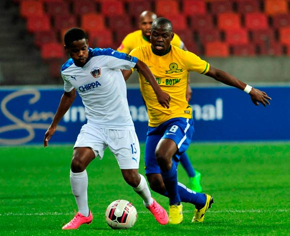Nkosinathi Mthiyane of Chippa United  and Hlompho Alpheus Kekana of Mamelodi Sundowns during the Absa Premiership 2015/16 game between Chippa United and Mamelodi Sundowns at Nelson Mandela Bay Stadium, Port Elizabeth on 4 November 2015 ©Deryck Foster/BackpagePix