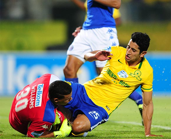Ronwen Williams of Supersport United challenged by Leonardo Castro of Mamelodi Sundowns during the 2015 Telkom Knockout SemiFinal match between Mamelodi Sundowns and Supersport United at the Lucas Moripe Stadium in Pretoria, South Africa on November 07, 2015 ©Samuel Shivambu/BackpagePix