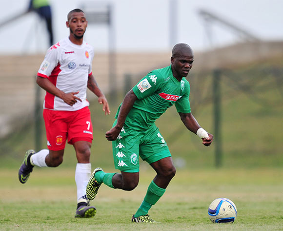 Goodman Dlamini of AmaZulu challenged by Auguston Leonard of Highlands Park during the National First Division 2015/16 match between AmaZulu and Highlands Park at Princess Magogo Stadium, KwaMashu on the 07 November 2015 ©Muzi Ntombela/BackpagePix