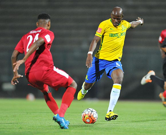 Hlompho Kekana of Mamelodi Sundowns challenged by Bokang Tlhone of Free State Stars during the Absa Premiership match between Mamelodi Sundowns and Free State Stars at the Lucas Moripe Stadium in Pretoria, South Africa on November 21, 2015 ©Samuel Shivambu/BackpagePix