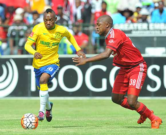 Khama Billiat of mamelodi Sundowns challenged by Gift Motupa of Orlando Pirates during the Absa Premiership match between Mamelodi Sundowns and Orlando Pirates at the Loftus Stadium in Pretoria, South Africa on December 20, 2015 ©Samuel Shivambu/BackpagePix
