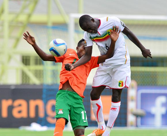 Diarra Seku of Mali wins header against  Clatous Chota of Zambia during the 2016 CHAN football match between Zambia and Mali at the Stade de Kigali in Kigali, Rwanda on 27 January 2016 ©Gavin Barker/BackpagePix