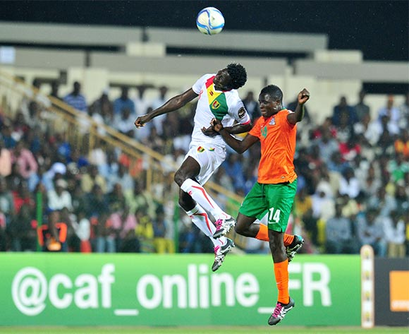 Jack Chirwa of Zambia battles with Ibrahima Sory Soumah of Guinea during the 2016 CHAN Rwanda, Quarterfinal match between Zambia and Guinea in Rubavu Stadium Rubavu, Rwanda on 31 January 2016 ©Muzi Ntombela/BackpagePix
