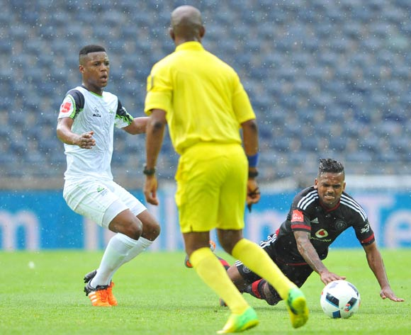 Kermit Erasmus of Orlando Pirates challenged by Khulekani Madondo of Platinum Stars during the Absa Premiership match between Orlando Pirates and Platinum Stars at the Orlando Stadium in Johannesburg, South Africa on January 09, 2016 ©Samuel Shivambu/BackpagePix
