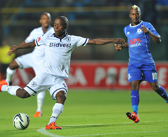 Ben Motshwari of Bidvest Wits challenged by Bongelethu Jayiya of Black Aces during the Absa Premiership match between Bidvest Wits and Black Aces at the Bidvest Stadium in Johannesburg, South Africa on January 15, 2016 ©Samuel Shivambu/BackpagePix