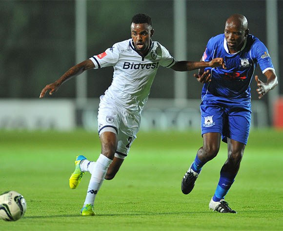Jabulani Shongwe of Bidvest Wits challenged by Thunduyise Khuboni of Black Aces during the Absa Premiership match between Bidvest Wits and Black Aces at the Bidvest Stadium in Johannesburg, South Africa on January 15, 2016 ©Samuel Shivambu/BackpagePix