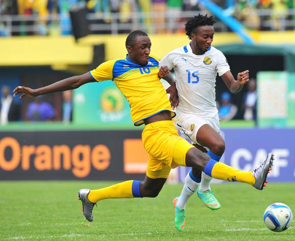 Laurhian Kantsouga of Gabon challenged by Faustin Usengimana of Rwanda during the 2016 CHAN Rwanda, match between Rwanda and Gabon at the Amahoro Stadium in Kigali, Rwanda on 20 January 2016 ©Muzi Ntombela/BackpagePix