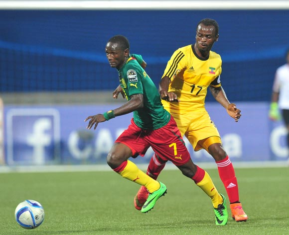 Moussa Souleymanou of Cameroon challenged by Seyoum Tesfaye of Ethiopia during the 2016 CHAN Rwanda, match between Cameroon and Ethiopia at the Huye Stadium in Butare, Rwanda on 21 January 2016 ©Muzi Ntombela/BackpagePix