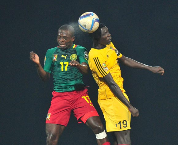 Stephan Mpondo Kingue of Cameroon battles with Tafesse Shewamene of Ethiopia during the 2016 CHAN Rwanda, match between Cameroon and Ethiopia at the Huye Stadium in Butare, Rwanda on 21 January 2016 ©Muzi Ntombela/BackpagePix