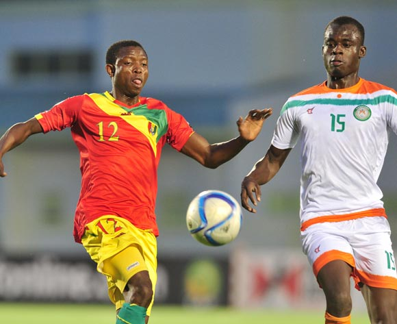 Aboubacar Sylla of Guinea challenged by Katkoré Boureima of Niger during the 2016 CHAN Rwanda, match between Niger and Guinea at the Stade de Kigali in Kigali, Rwanda on 22 January 2016 ©Muzi Ntombela/BackpagePix