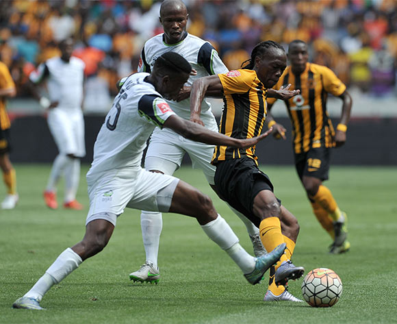 Isaac Nhlapo of Platinum Stars tussles with Reneilwe Letsholonyane of Kaizer Chiefs during the 2015 Absa Premiership match    ©Luigi Bennett / BackpagePix