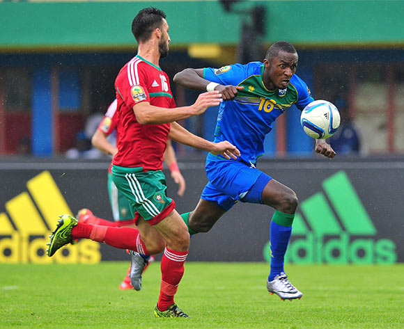 Ernest Sugira of Rwanda takes on Mohamed Oulhaj of Morocco during the 2016 CHAN Rwanda game between Morocco and Rwanda at the Amahoro Stadium, Kigali on 24 January 2016 ©Ryan Wilkisky/BackpagePix