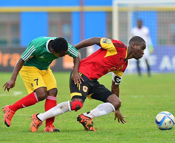 Manucho Diniz of Angola evades tackle from Eliyas Mamo of Ethiopia during the 2016 CHAN football match between Ethiopia and Angola  at the Amahoro Stadium in Kigali, Rwanda on 25 January 2016 ©Gavin Barker/BackpagePix