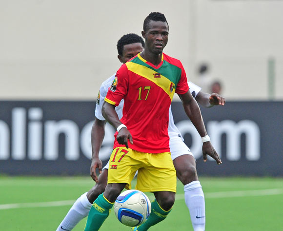 Daouda Camara of Guinea  controls the ball ahead of Chima Akas of Nigeria during the 2016 CHAN Rwanda game between Guinea and Nigeria at Rubavu Stadium, Rubavu on 26 January 2016 ©Ryan Wilkisky/BackpagePix