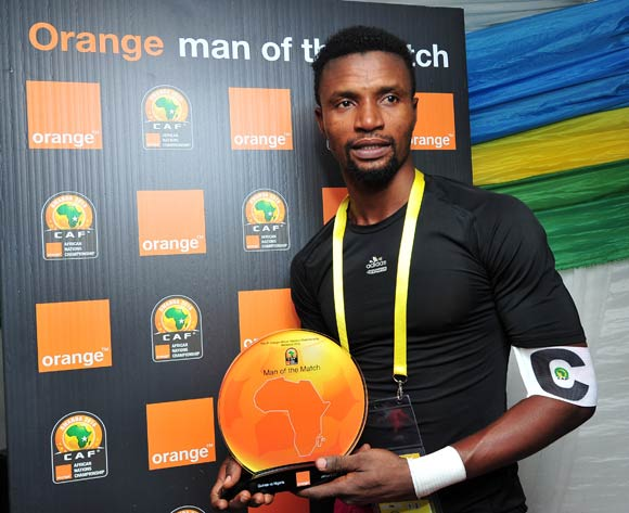 Abdoul Aziz Keita of Guinea (capt) receives the 'Orange Man of the Match' award on behalf of Ibrahima Sory Sankhon of Guinea during the 2016 CHAN Rwanda game between Guinea and Nigeria at Rubavu Stadium, Rubavu on 26 January 2016 ©Ryan Wilkisky/BackpagePix