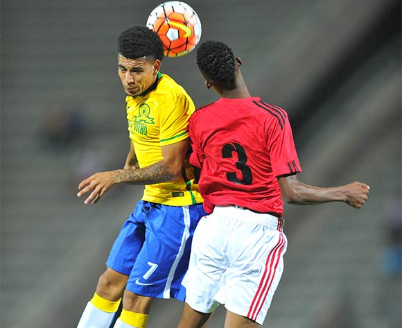 Keagan Dolly (l) of Mamelodi Sundowns challenged by Divine Lunga (r) of Chicken Inn during the 2016 CAF Champions League football match between Mamelodi Sundowns and Chicken Inn at the Lucas Moripe Stadium in Pretoria, South Africa on February 27, 2016 ©Samuel Shivambu/BackpagePix