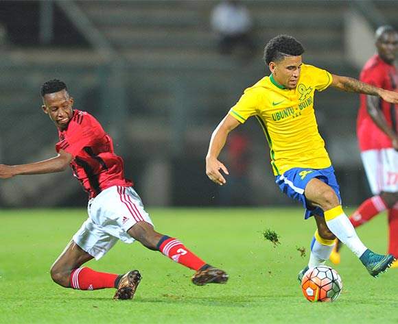 Keagan Dolly (r) of Mamelodi Sundowns challenged by Divine Lunga (l) of Chicken Inn during the 2016 CAF Champions League football match between Mamelodi Sundowns and Chicken Inn at the Lucas Moripe Stadium in Pretoria, South Africa on February 27, 2016 ©Samuel Shivambu/BackpagePix