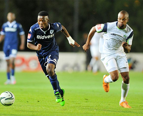 Phakamani Mahlambi of Bidvest Wits challenged by Gift Sithole of Platinum Stars during the Absa Premiership match between Bidvest Wits and Platinum Stars at the Bidvest Stadium in Johannesburg, South Africa on February 03, 2016 ©Samuel Shivambu/BackpagePix