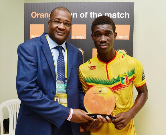 Yves Bissouma of Mali wins Orange Man of the Match Award during the 2016 CHAN semifinal football match between Mali and Ivory Coast at the Stade de Kigali in Kigali, Rwanda on 04 February 2016 ©Gavin Barker/BackpagePix
