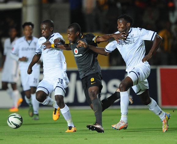 Camaldine Abraw of Kaizer Chiefs is challenged by Ben Motshwari of Bidvest Wits (l) and Bongani Khumalo of Bidvest Wits during the Absa Premiership match between Bidvest Wits and Kaizer Chiefs on 09 February 2016 at Bidvest Stadium Pic Sydney Mahlangu/ BackpagePix