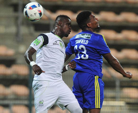 Siyabonga Zulu of Platinum Stars battles for the ball with Ismaeel Stanfield of Steenberg United during the 2016 Nedbank Cup football match between Steenberg United and Platinum Stars at Athlone Stadium, Cape Town on 4 March 2016 ©Chris Ricco/BackpagePix