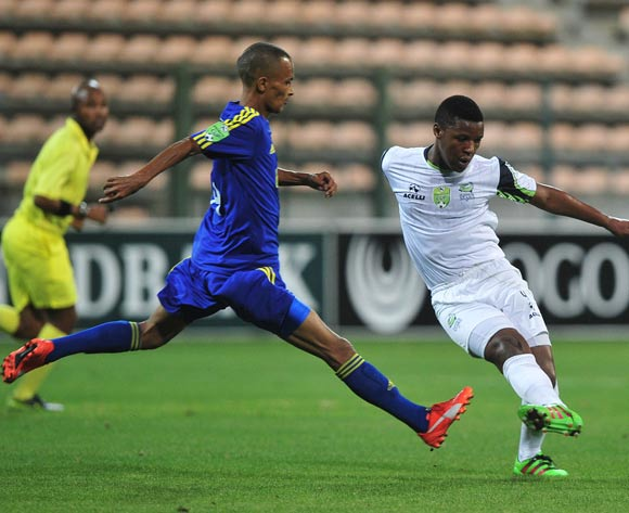 Khulekani Madondo of Platinum Stars evades challenge from Marawaan Bantam of Steenberg United during the 2016 Nedbank Cup football match between Steenberg United and Platinum Stars at Athlone Stadium, Cape Town on 4 March 2016 ©Chris Ricco/BackpagePix