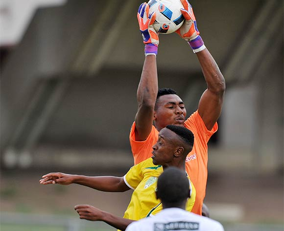 Oscarine Masuluke of Baroka challenged by Quincy Ngcobo of Golden Arrows during the 2016 Nedbank Cup match between Golden Arrows and Baroka at Chatsworth Stadium, Chatsworth Kwa-Zulu Natal on 03 April 2016 ©Muzi Ntombela/Backpagepix